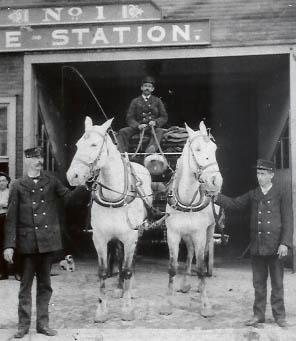 E. Porter Dodd, Bowling Green fireman (on right)