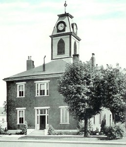 Todd County Courthouse (built 1835)